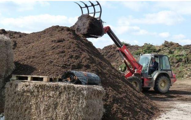 Manitou compost